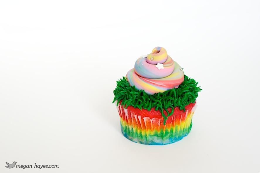 Unicorn Poop cupcake that Unicorn Poop Cupcakes
