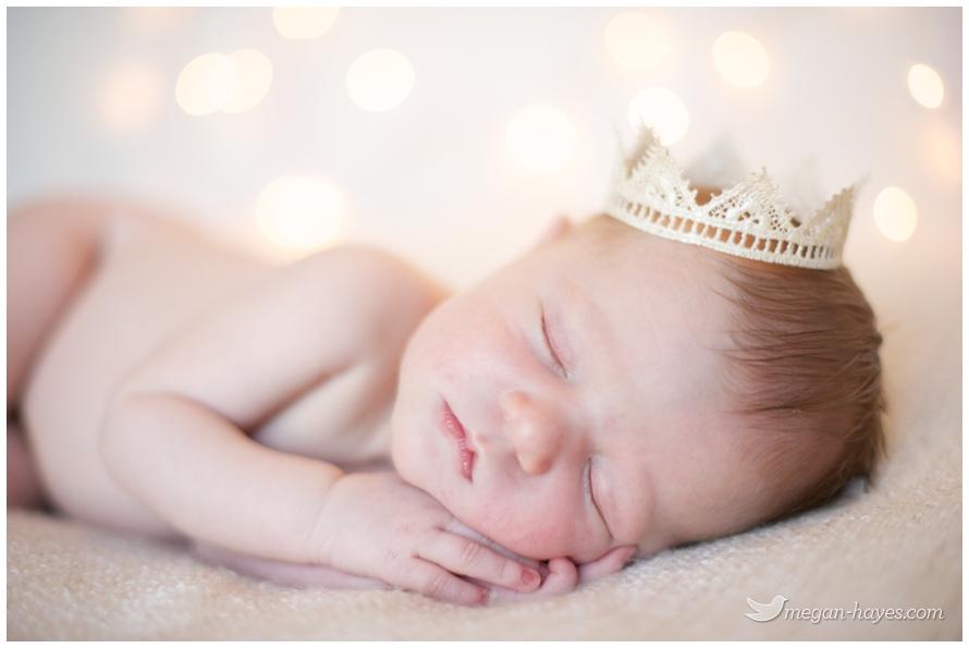 12 month girl photo ideas - Leighton Olivia Christmas Newborn